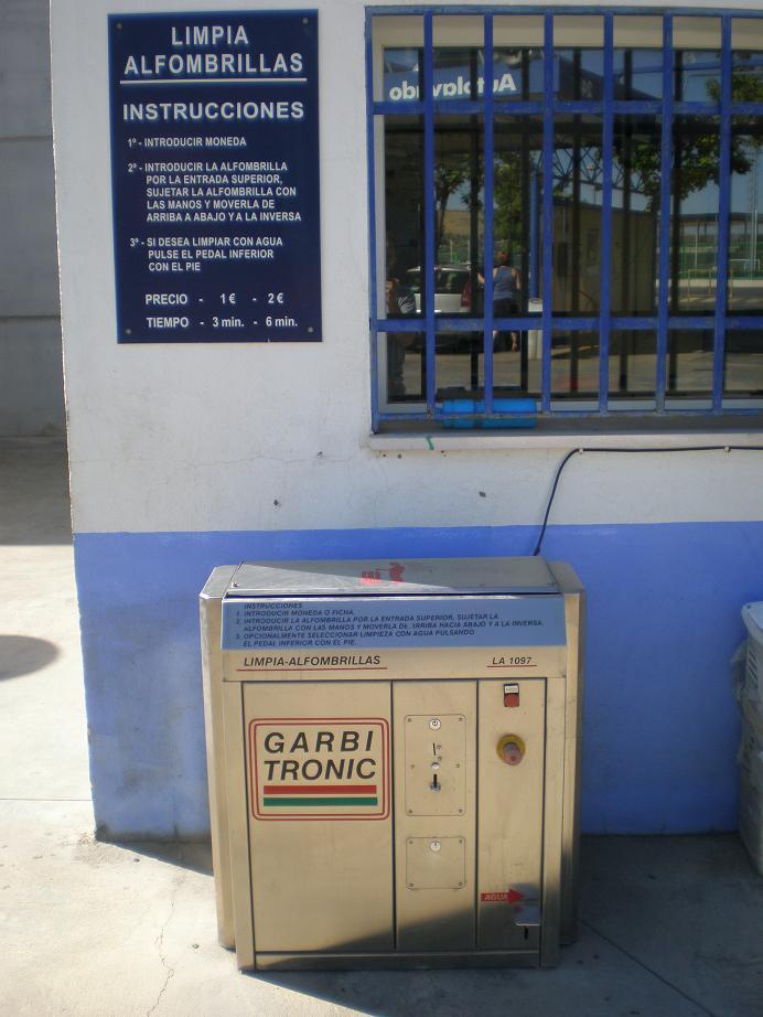 Máquina limpia alfombrillas Elefante Azul Valdepeñas