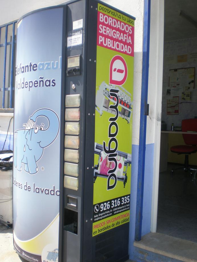 Máquina de refrescos Elefante Azul Valdepeñas