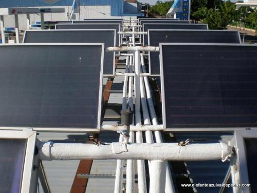 Centro de lavado de coches Elefante Azul Valdepeñas y su instalación de placas solares térmicas