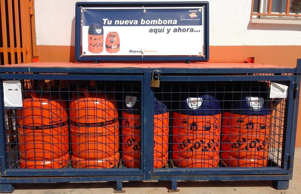 Servicio de venta de butano y propano en las instalaciones de Elefante Azul Valdepeñas