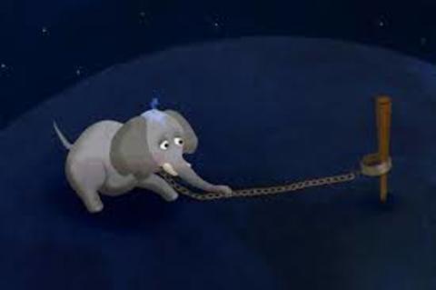 Elefante Azul Valdepeñas - El elefante encadenado